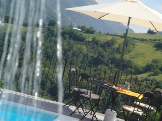 Private Villa,10 sleeps, pool, wi-fi,mountain view - Province of Pesaro and Urbino vacation rentals