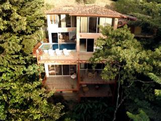 5,000 sq.ft 7br/8ba Happy Jacana Villa Getaway - Quepos vacation rentals