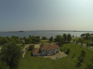 Spectacular Niagara Riverfront Vacation Home - Fort Erie vacation rentals