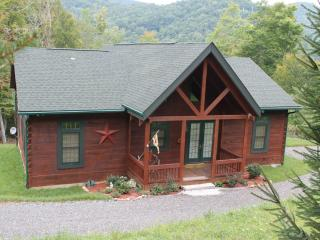 New Log Cabin!!! Dates available for the Fall Colors...Perfect Location. Gas Logs, Views, Hiking. - Blue Ridge Mountains vacation rentals