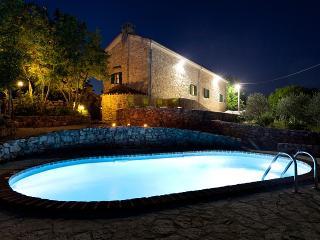Villa lindraze - Omisalj vacation rentals