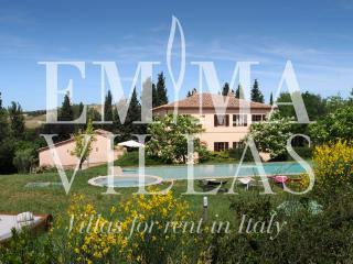 Il Giardinello 11+1 - Montalcino vacation rentals