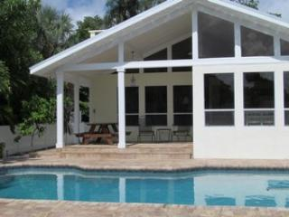 209 N Pool - Jackie's Cottage-209 N Harbor - Holmes Beach - rentals