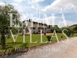Villa Alida 8 - Lucca vacation rentals