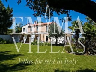 Casa Angela 6 - Monte san Martino vacation rentals
