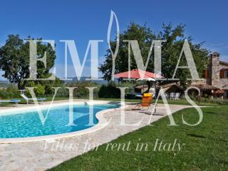 Casale dei Bombi 6 - Collevalenza vacation rentals