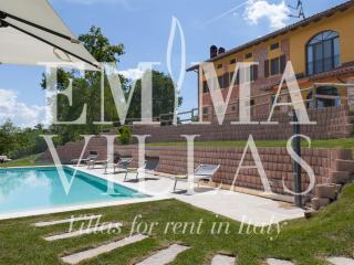 Cascina Bellerose 8+2 - Moncalvo vacation rentals