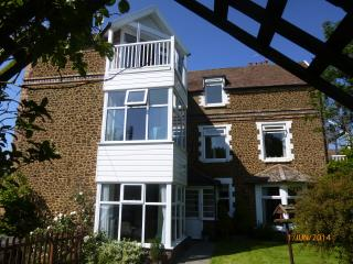 Poppy House, sleeps 11. Ideal for familes & groups - Hunstanton vacation rentals