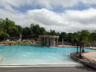 Beautiful 4 bed pool home in Paradise Palm Resort! - Four Corners vacation rentals