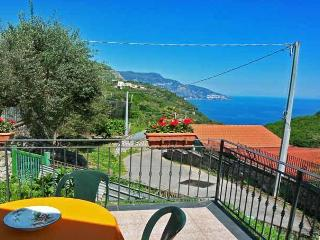 MIRKO - 1 BEDROOM - SLEEPS 3 - SEA VIEW - TERRACE - Massa Lubrense vacation rentals