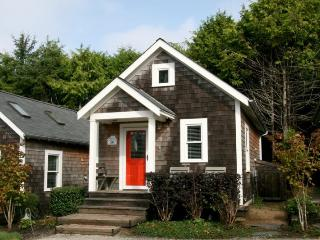 Melissa`s Beach Bungalow - Southern Washington Coast vacation rentals