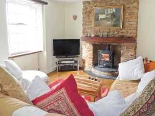 DIPLEY COTTAGE, woodburner, en-suite facilities, character cottage in Brixham, Ref. 915289 - Brixham vacation rentals