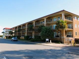 Brass Rail Villas - Unit 204 - Deluxe Vacation Rental - Swimming Pools - FREE Wi-Fi - Tybee Island vacation rentals
