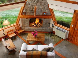 2 BEDROOM & LOFT/ 2 BATH (H6) GREAT LOCATION!! - San Carlos de Bariloche vacation rentals