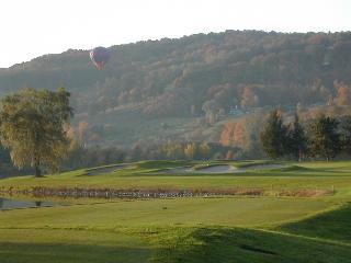 EXCLUSIVE QUECHEE RIDGE GETAWAY W/SPECTACULAR VIEW - Eastern Vermont vacation rentals