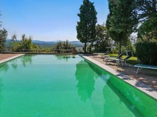Countryside Villa Oiveto in Castelmuzio with fenced pool, alfresco dining and sunset view - Siena vacation rentals