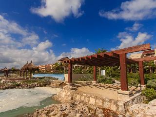 Family Beachfront Retreat, Pueblito Escondido - Puerto Aventuras vacation rentals