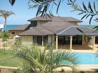 5 Bedroom Home With Pool Over Looking The Indian Ocean - Mindarie vacation rentals