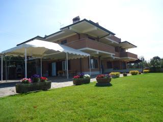 Villa Lauretana - Rome vacation rentals