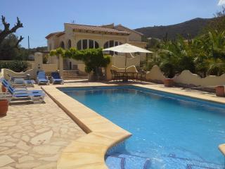 Luxury Villa - 3 bed  - A/C - Wi Fi  -Private Pool - Lliber vacation rentals