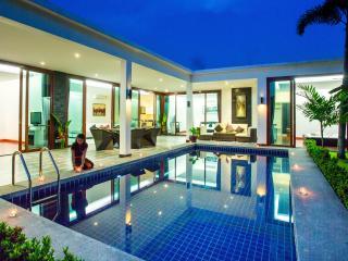 King Pool Villa With Jacuzzi - Hua Hin vacation rentals