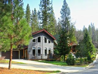 Goetzl (Sat-Sat) 10p - Bass Lake vacation rentals