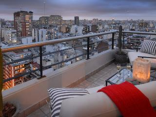TWO-STORY PENTHOUSE 3 BEDROOM/ 3.5 BATH (RP7) ! - Capital Federal District vacation rentals