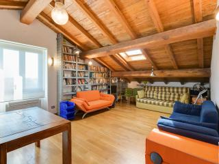 CASALFATTORIA-Luxury&Design AC Parking Garden WiFi - Rome vacation rentals