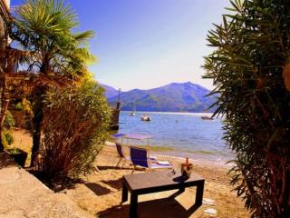 Tosca lakeside Apartment .2 bedrooms & 2 bathroo - Menaggio vacation rentals