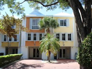 3 Bed 3.5 Bath Rock Harbor Villa -  W/Free WiFi - Key Largo vacation rentals