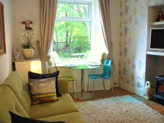 Edinburgh City Centre Adorable Garden Apartment - Edinburgh vacation rentals