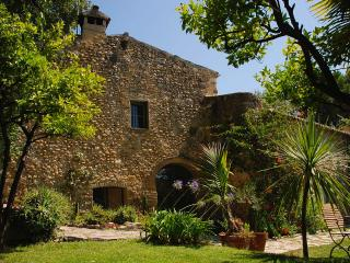 Charming Stone Cottage - Lovely Garden & Terrace - Le Bar-sur-Loup vacation rentals