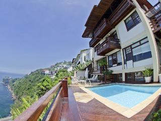 Wonderful villa with a stunning sea view in Joa - Rio de Janeiro vacation rentals