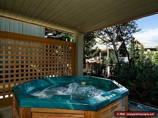 69 Glaciers Reach this 2br home has a hot tub & pool in Whistler Village - Whistler vacation rentals