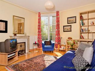 325/authentic-paris-one-bedroom - Paris vacation rentals