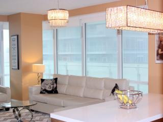 Luxury Film Fest  2 Bd 2bth 5 Star Suite! - Toronto vacation rentals