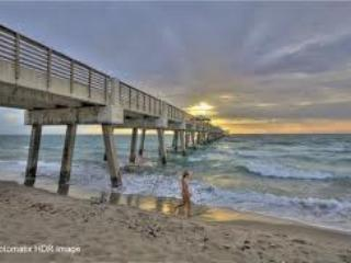 5 Miles to Beach or St. Louis Cardinals Train Camp - Juno Beach vacation rentals
