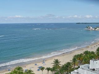 Overlooks Gorgeous Beach-Walk to Restaurants - Isla Verde vacation rentals