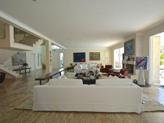 Spacious 5 Bedroom House in Morumbi - Sao Paulo vacation rentals