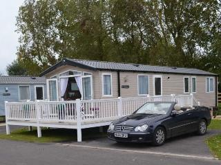 Burnham-On-Sea Platinum Luxury with Veranda Deck - Burnham-On-Sea vacation rentals