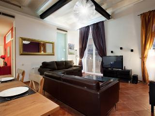 Las Ramblas 4 bedroom apartment - Barcelona vacation rentals