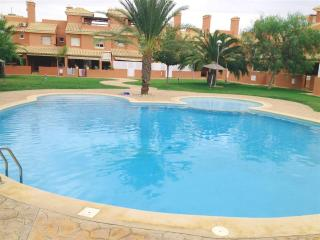 Penthouse - Free WiFi - Communal Pool - Roof Terrace - Free Parking - 35071 - Mar de Cristal vacation rentals