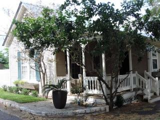 The Oaks on Main - Luckenbach vacation rentals