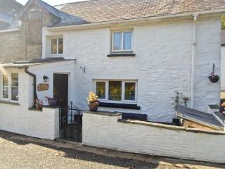 Y BWTHYN, character cottage, woodburner, pet-friendly, countryside location, near Cardigan, Ref 916774 - Pembrokeshire vacation rentals