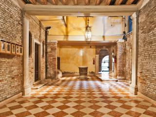 CA' ROSA S.MARCO 5 minute walking from S.Marco - Venice vacation rentals
