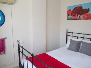 Paphos Love Nest Deluxe Apartment - Lachi vacation rentals