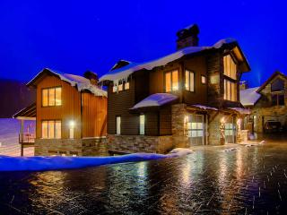 The Warming Hut - true ski in/out, hot tub - Copper Mountain vacation rentals