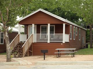 2 bedroom cottage near Schlitterbahn - Sleeps 8 - New Braunfels vacation rentals