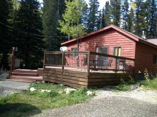Streamside Cabin Close to Casinos and 4WD Trails - Golden vacation rentals