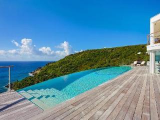 Stunning Shiro Villa, fabulous ocean views and just minutes to the beach - Gouverneur vacation rentals